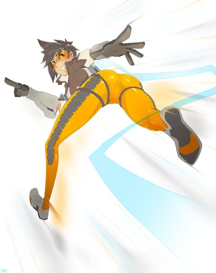 Tracer running with sexy ass