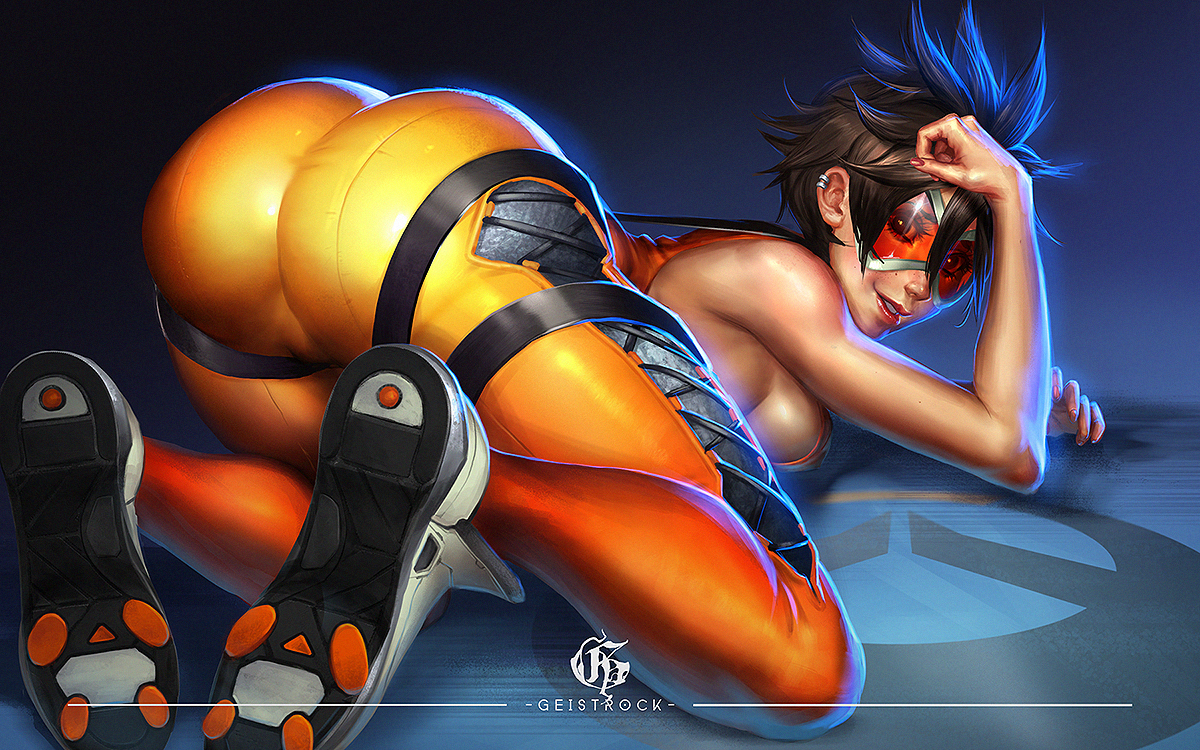 Tracer sexy round ass